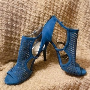 Perfect condition Teal High Heels Worthington sz 9